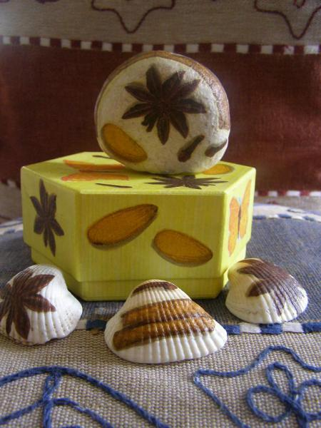 Aromakrabička s kamienkami žltá